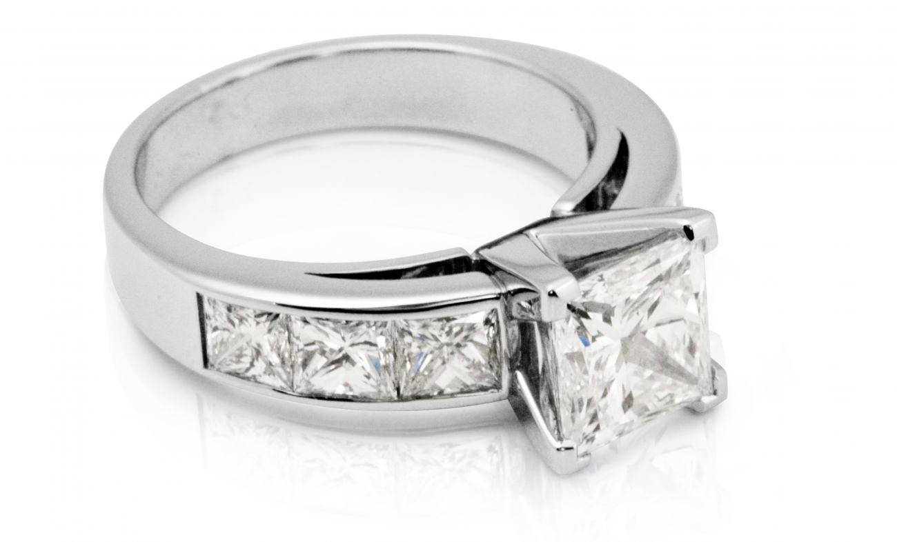 thumbnail for 2.00ct Princess cut diamond engagement ring